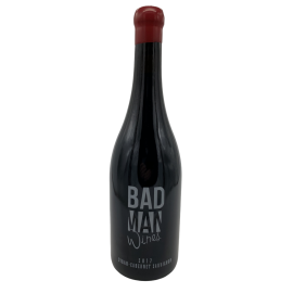 Red wine Bad Man variety Syrah-Cabernet bottle 750ml.